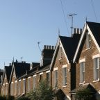 Suburban housing in England. Stock photo from Pixabay