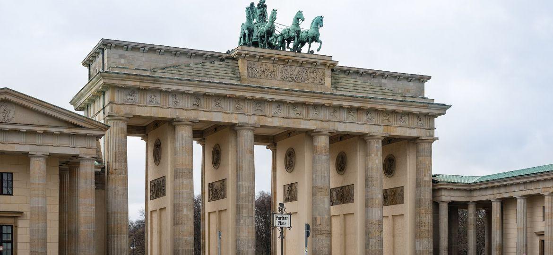 Brandenburg_Gate_-_Brandenburger_Tor_-_Berlin_-_Germany_-_02
